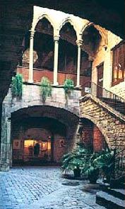 Музей Пикассо во дворце Агилар в Барселоне - www.Arhitekto.ru